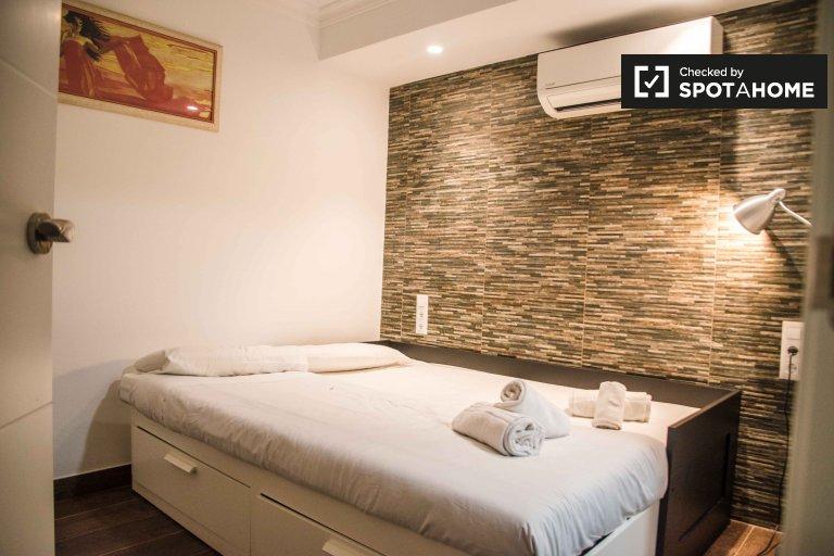 2-pokojowe mieszkanie do wynajęcia w Extramurs, Valencia