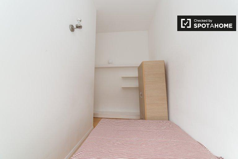 Quarto para alugar em apartamento de 5 quartos em Camden, Londres