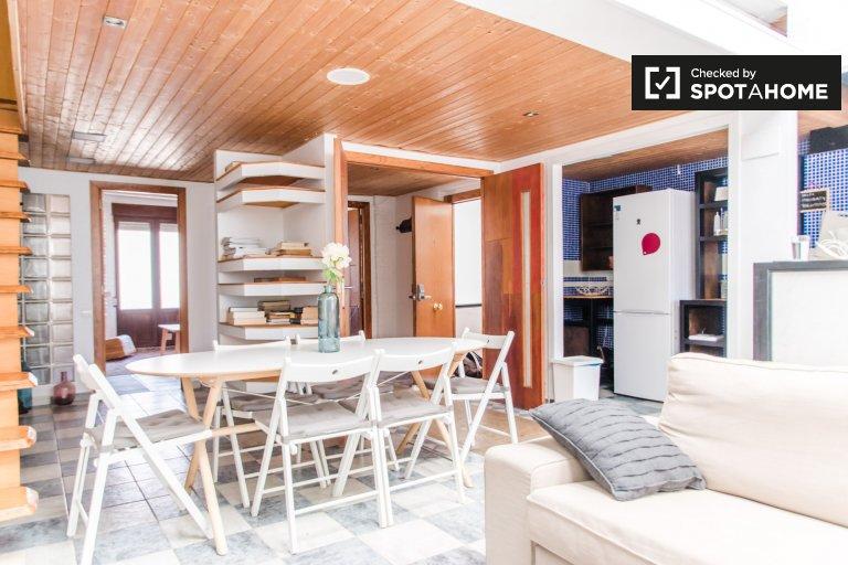 Apartamento de 2 quartos para alugar em Extramurs, Valência