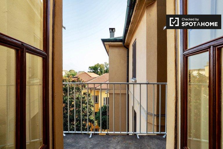 Breathtaking 3-bedroom apartment for rent near University of Milan