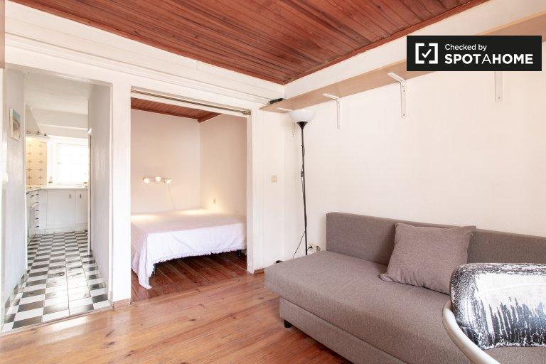 Ładny apartament typu studio do wynajęcia w Alfama, Lizbona