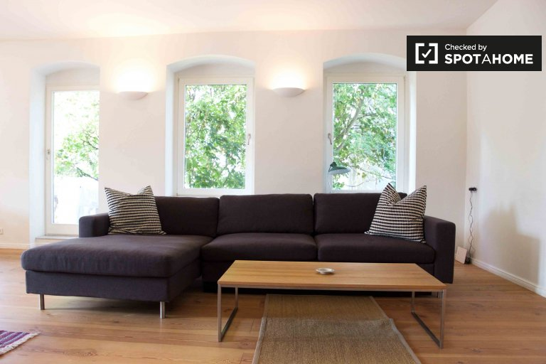 Modern 1-bedroom apartment for rent in Mitte