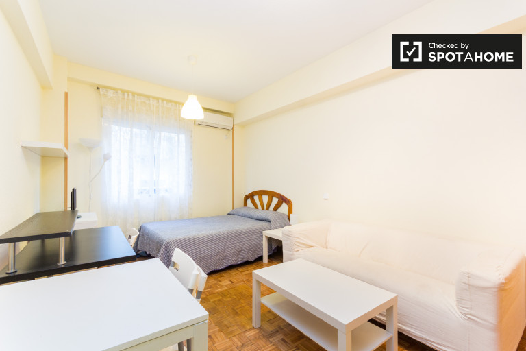 Monolocale con AC in affitto a Malasaña, Madrid