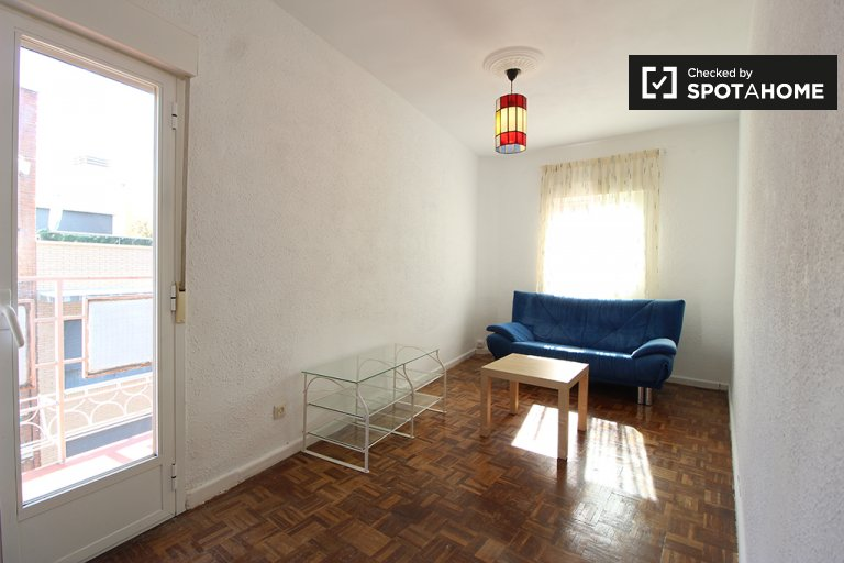 3-bedroom apartment for rent in Aluche, Madrid