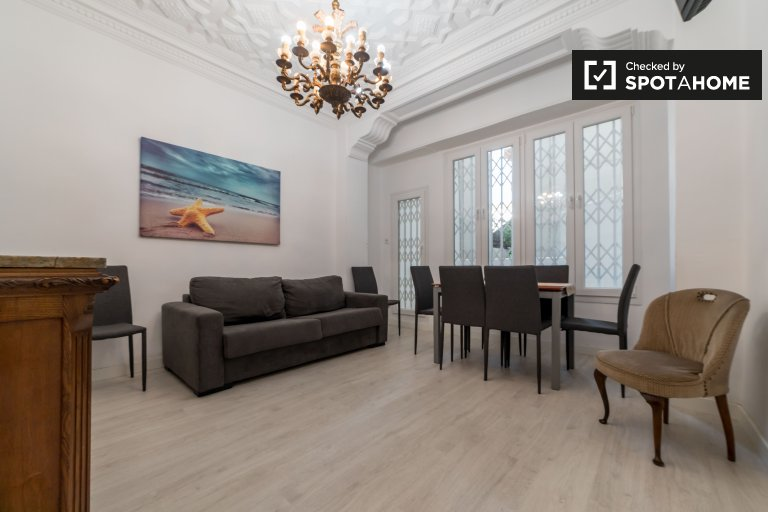 5-bedroom apartment for rent in L'Eixample, Valencia