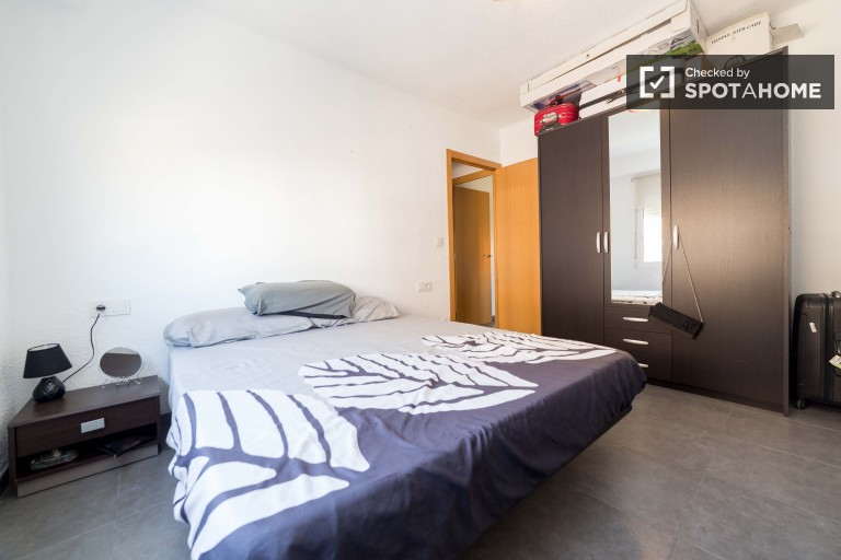 Bedroom 2. couple-friendly with double bed