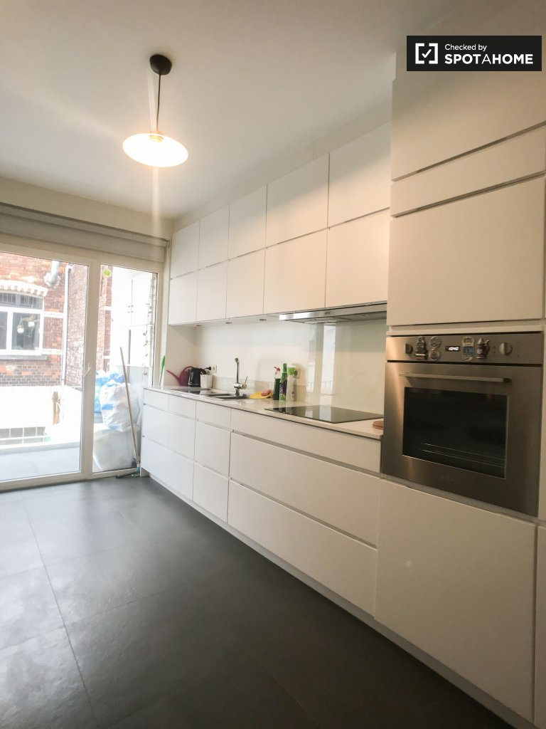 Modern 2-bedroom apartment for rent in Shaarbeek, Brussels