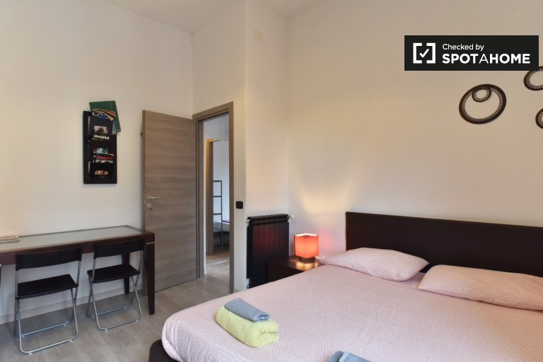 Double Bed in Rooms for rent in a modern 3-bedroom apartment in Centocelle