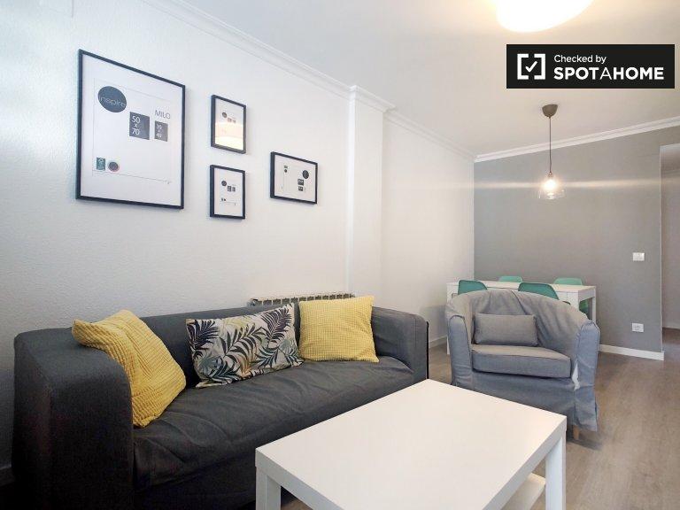 Aluche, Madrid'de kiralık modern 4 yatak odalı daire