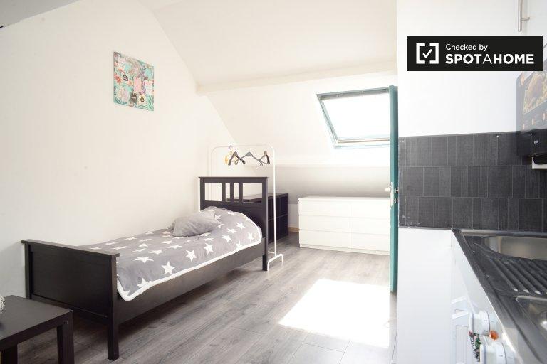 Kompaktowy apartament typu studio do wynajęcia w Ganshoren w Brukseli