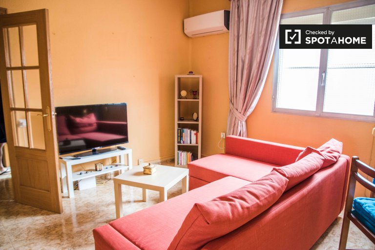 Pokój do wynajęcia, 3-pokojowe mieszkanie, Quatre Carreres