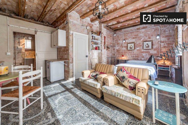 Studio apartment for rent in Extramurs, Valencia
