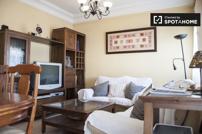 Large and lovely 3-bedroom apartment for rent in Bami