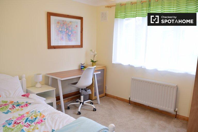 Gemütliches Zimmer in 4-Zimmer-Häuser in Rathfarnham, Dublin