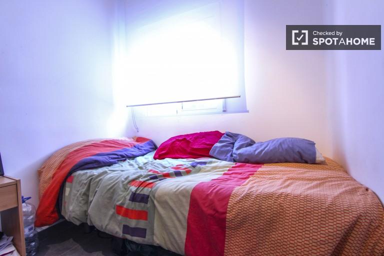 Interior single bedroom