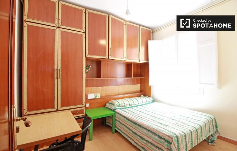 Salle de repos dans un appartement de 7 chambres à Sants, Barcelone