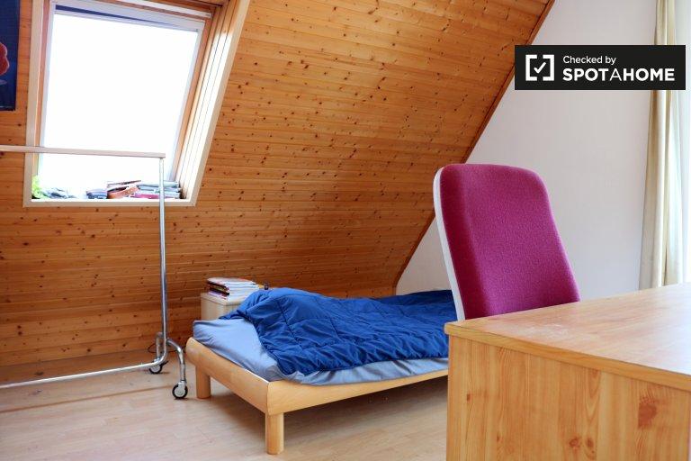 Room for rent in 4-bedroom house in Spandau, Berlin