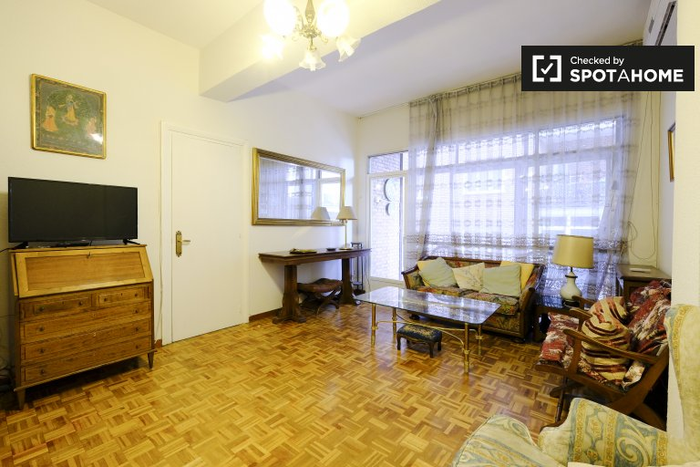 3-bedroom apartment for rent in Imperial, Madrid
