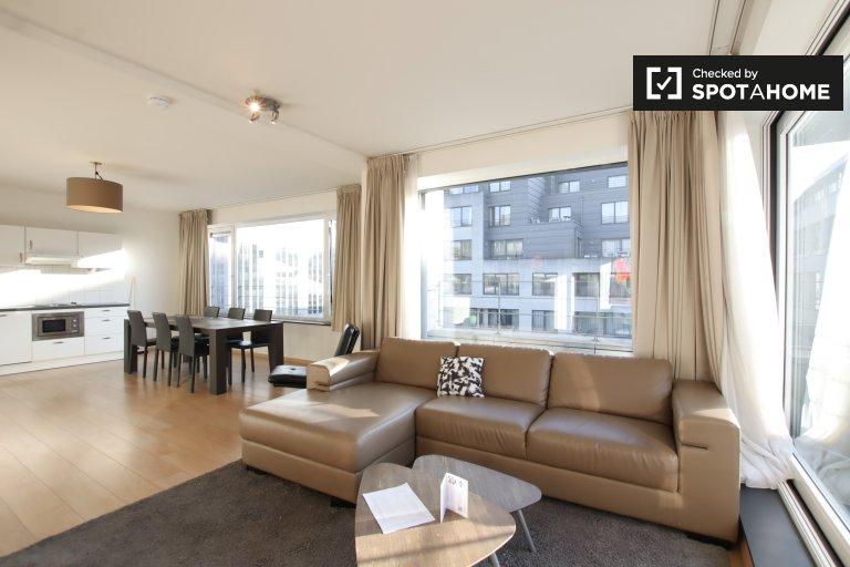 Słoneczny dwupokojowy apartament do wynajęcia w centrum Brukseli
