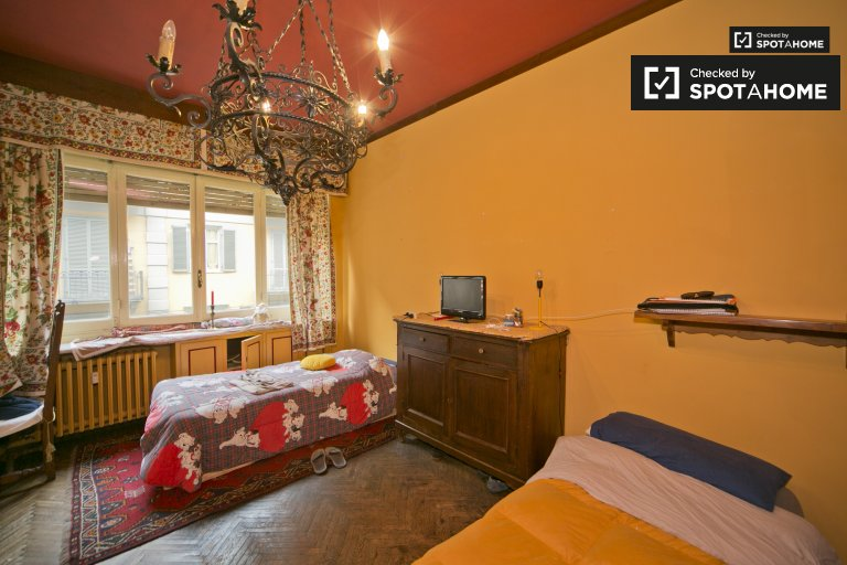 Single bed in shared room for rent in Vanchiglia, Turin