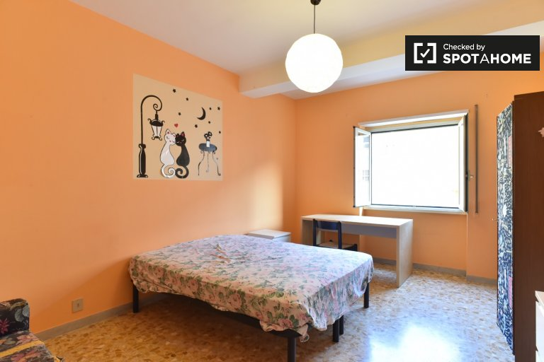 Double Bed in Rooms for rent in an all female 4-bedroom apartment in Tiburtino