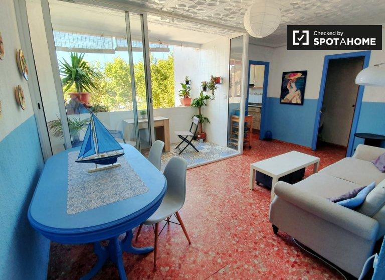 Amplio apartamento de 3 dormitorios en alquiler en Poblats Marítims