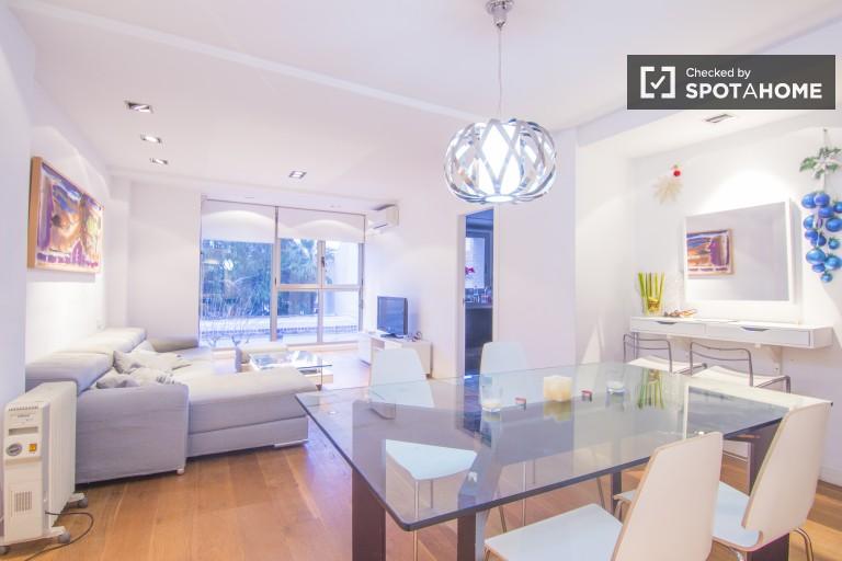 Exterior 2-bedroom apartment in Poblats Maritim, Valencia