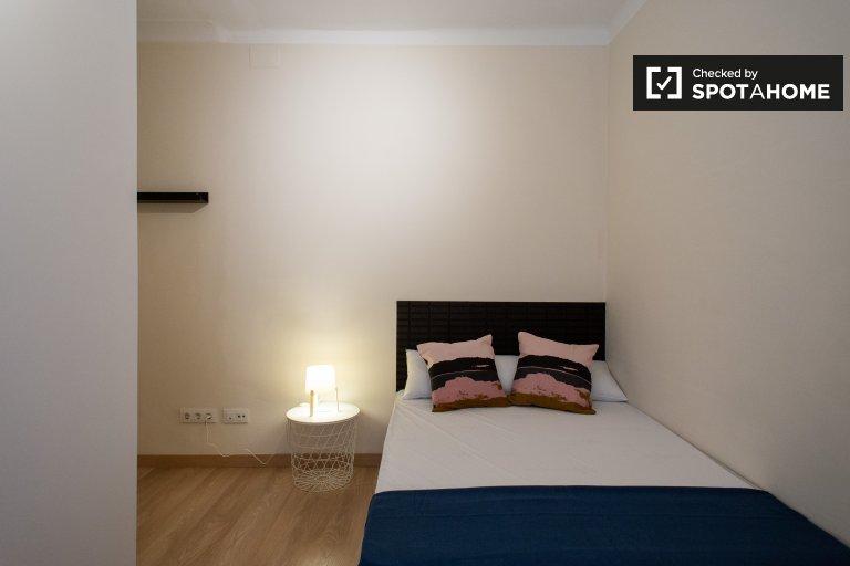 Quarto confortável para alugar em apartamento de 5 quartos, Guinardó