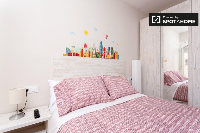 Cosy room in 7-bedroom apartment in Sants, Barcelona