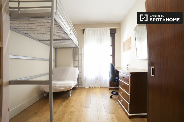 Bunk Beds in Rooms for rent in affordable 7-bedroom house in Nervion