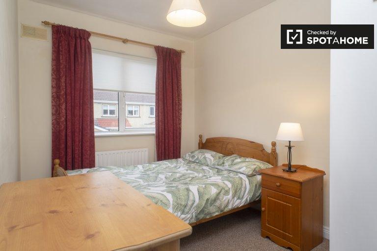 Gemütliches Zimmer zur Miete in einem gemeinsamen Haus mit 3 Schlafzimmern in Finglas