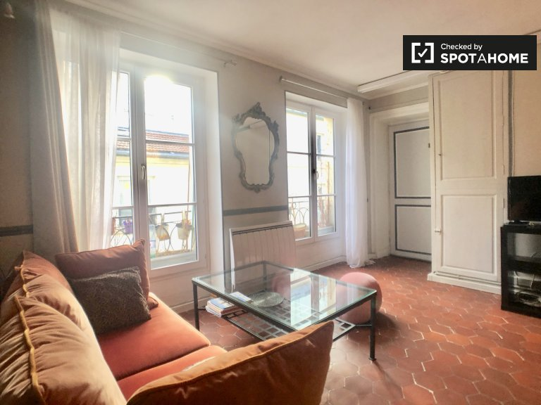 Chic 1-bedroom apartment for rent, the 2nd arrondissement