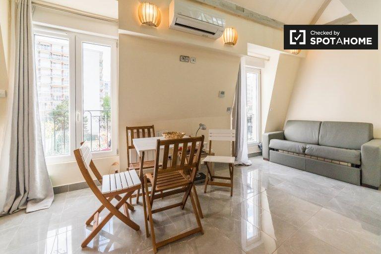 Appartamento con 1 camera da letto in affitto a Parigi 11