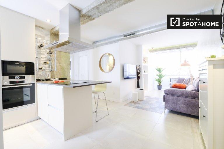 2-pokojowe mieszkanie do wynajęcia w Imperial, Madryt