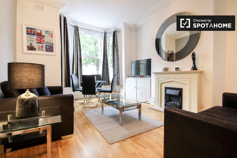 Bright 1-bedroom apartment with garden to rent in West Hampstead, Travelcard Zone 2