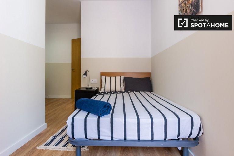 El Raval, Barcelona'da 6 yatak odalı dairede kiralık oda