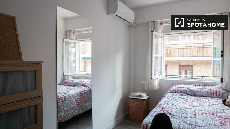Pokój do wynajęcia w apartamencie z 2 sypialniami w Carabanchel, Madryt