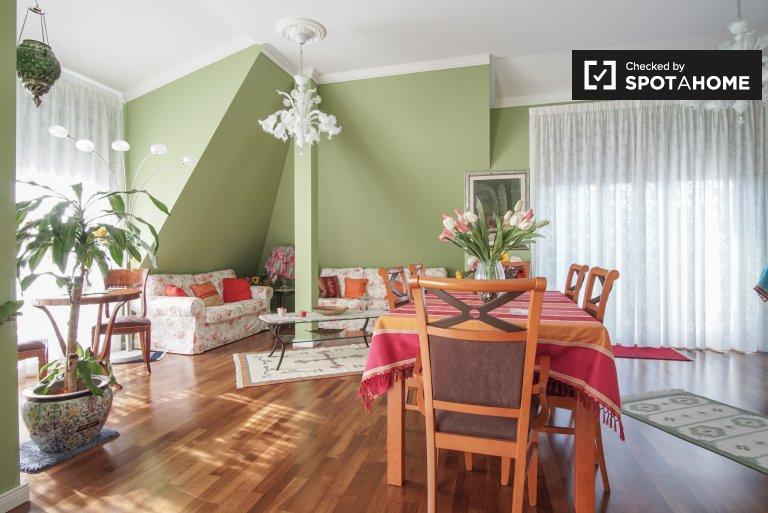 Acogedor apartamento de 2 dormitorios en alquiler en Steglitz.