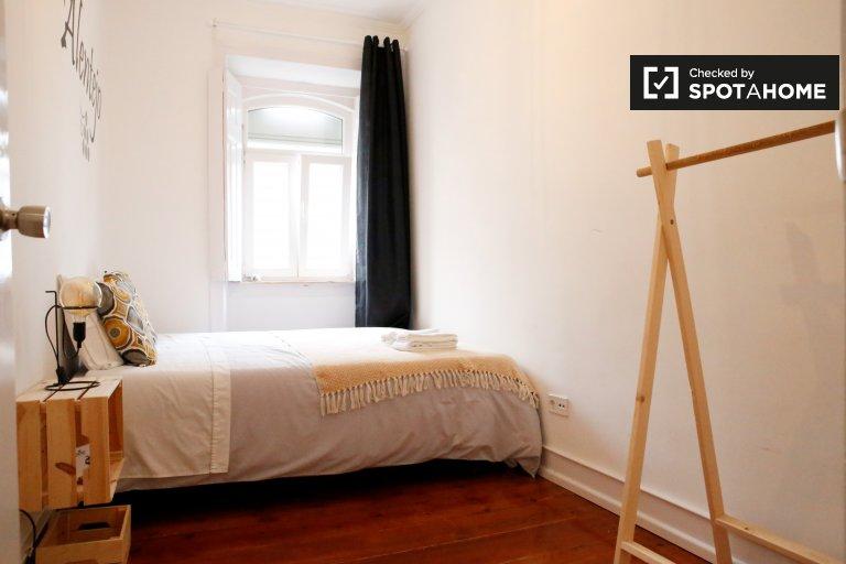 Komfortowy pokój w 6-pokojowym apartamencie w Alcântara, Lizbona