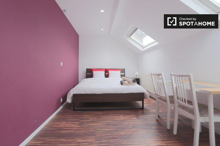 Cosy studio apartment for rent in Saint Josse, Brussels