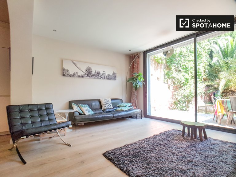 Dom z 3 sypialniami i ogrodem do wynajęcia w Gràcia w Barcelonie