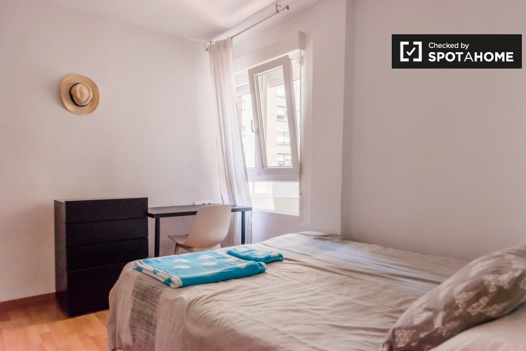 Lovely room for rent in Algiros, Valencia