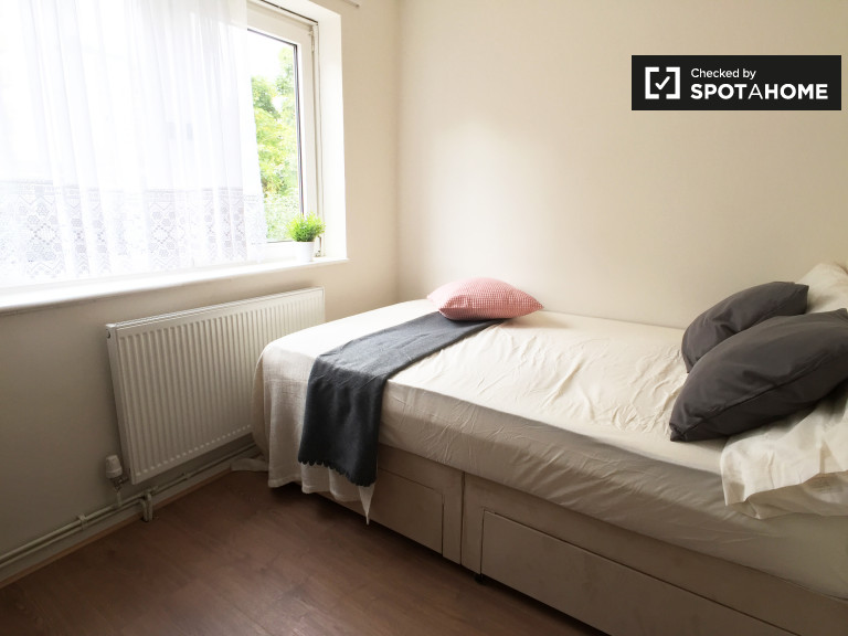 Bedroom 6 with a double bed