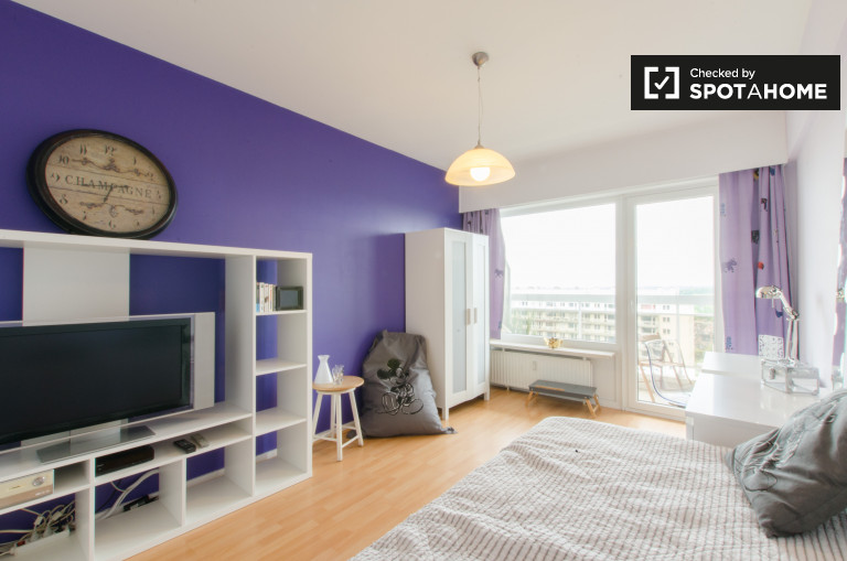 Camera eccellente in appartamento condiviso a Woluwe, Bruxelles