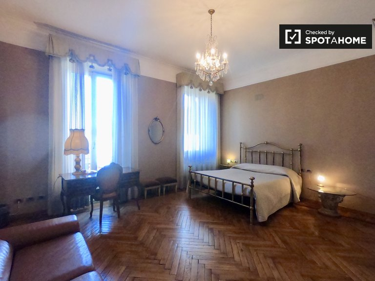 Room for rent in 6-bedroom apartment in Vigentino, Milan