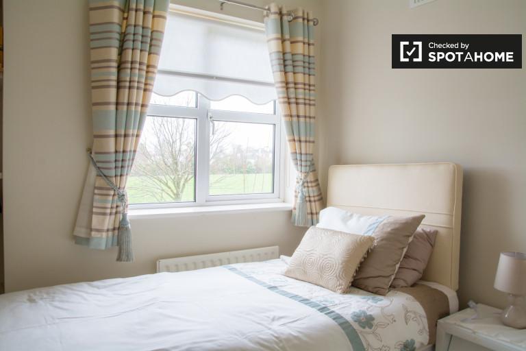 Außenraum in einem 5-Zimmer-Apartment in Donabate, Dublin