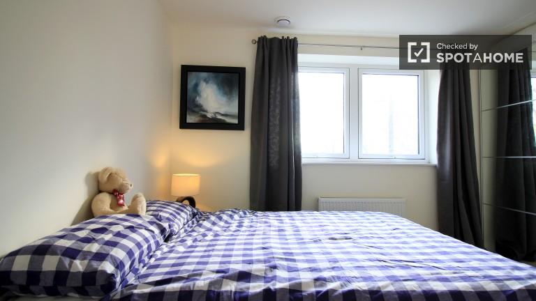 Tower Hamlets, Londra'da 2 yatak odalı daire özel oda