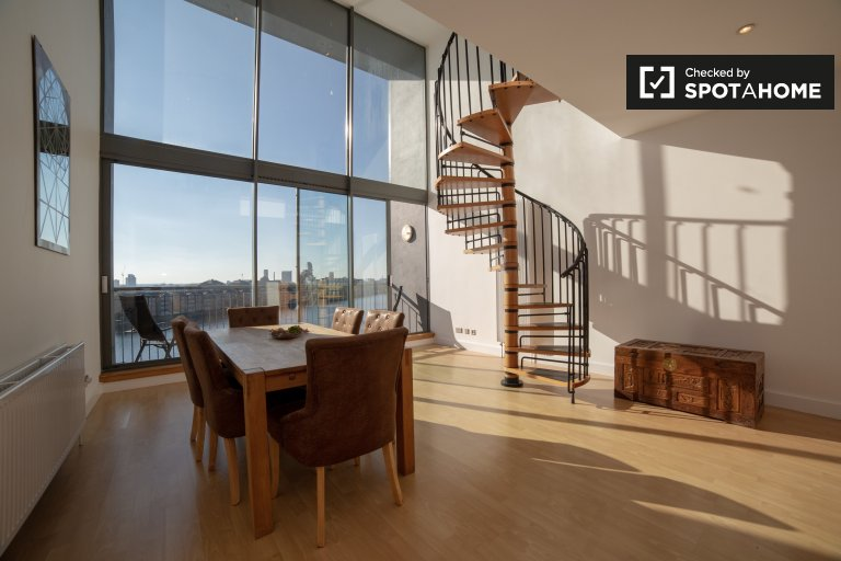 3-bedroom flat to rent in Isle of Dogs, London