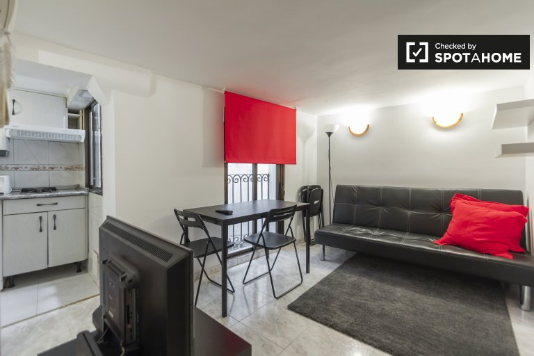 Moderno apartamento de 1 dormitorio en alquiler en Malasaña, Madrid