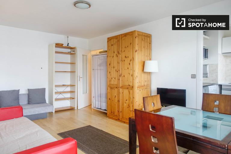 1-bedroom apartment with balcony for rent in 11th arrondissement
